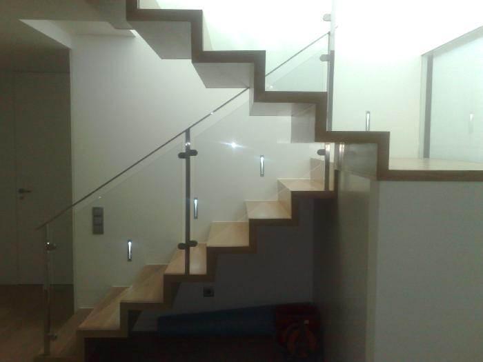 Valenciana de parkets trabajos realizados obras de - Escaleras de interior de obra ...
